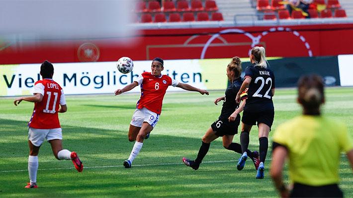 """La """"Roja"""" femenina otra vez tiene a Endler como figura y logra un muy buen empate ante Alemania, actuales campeonas olímpicas"""