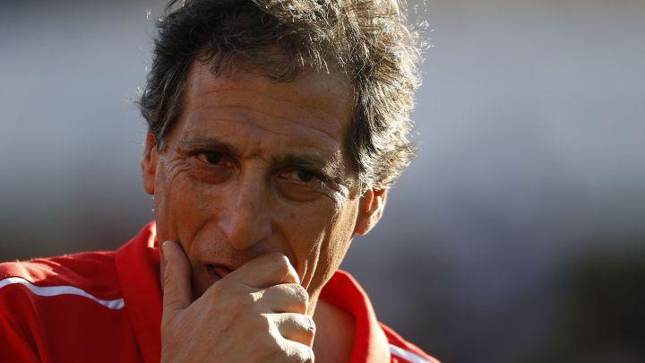 """""""El DT del club tiene que ser nacional; me gustaría Mario Salas"""""""