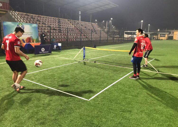 Novedoso torneo de fútbol-tenis tuvo su broche de oro y conoció a los monarcas