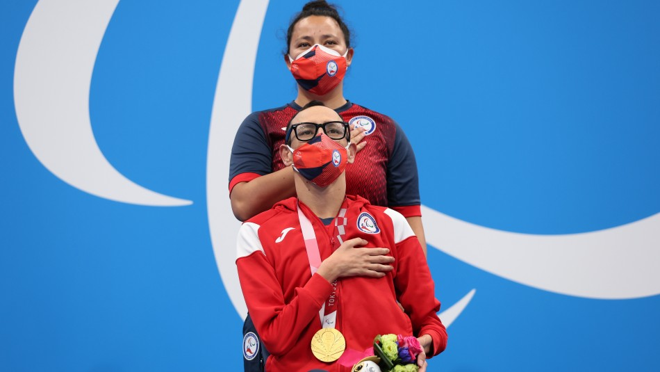 Nadador Alberto Abarza le da a Chile el primer oro en los Paralímpicos de Tokio.