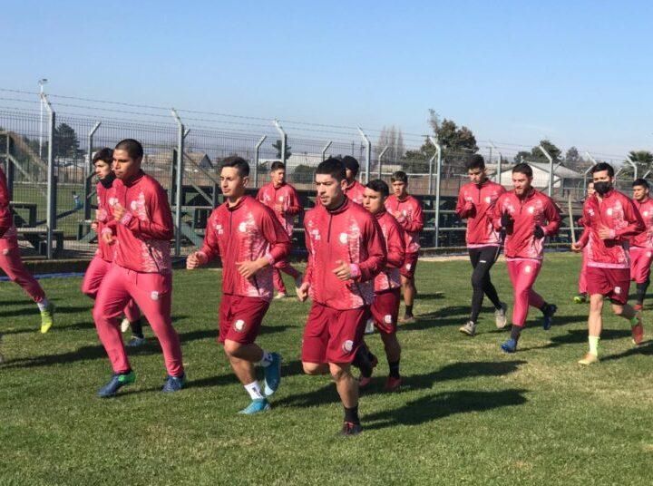 Deportes Linares retomó las prácticas presenciales y pensando en el debut