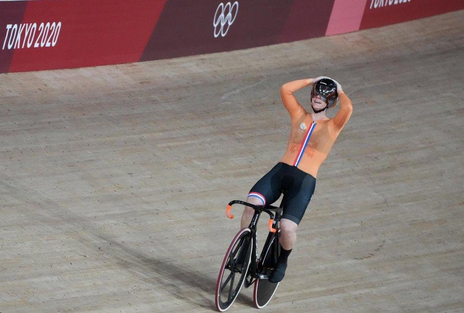 Shanne Baspennincx se coronó campeona en el keirin femenino en el ciclismo de pista en Tokio 2020