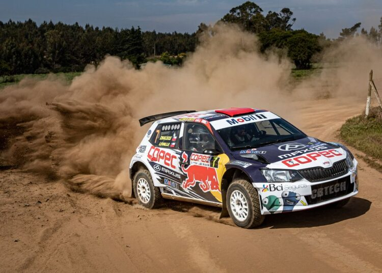 """""""Chaleco"""" López debutó en su nuevo auto en el RallyMobil"""