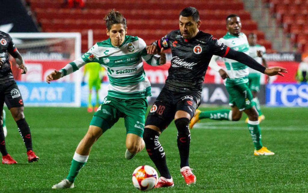 Gonzalo Jara vuelve a Chile tras ser oficializado en Unión La Calera.
