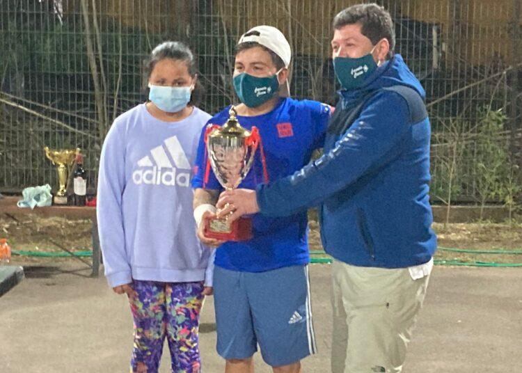 Torneo tenístico cerró celebración de las Fiestas Patrias en Villa Alegre