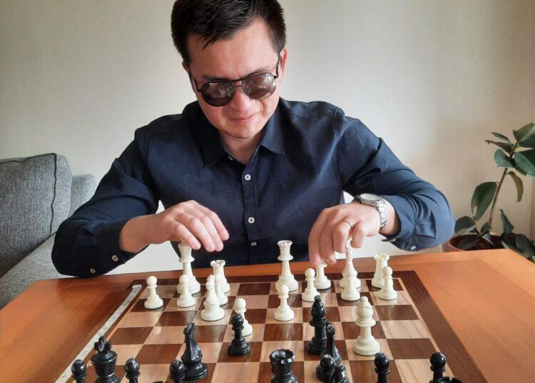 Michael Moraga: El talquino que espera triunfar en el ajedrez adaptado