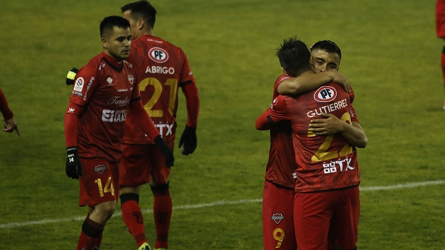 Ñublense y Huachipato se enfrentan con la misión de ganar para despegar en la tabla
