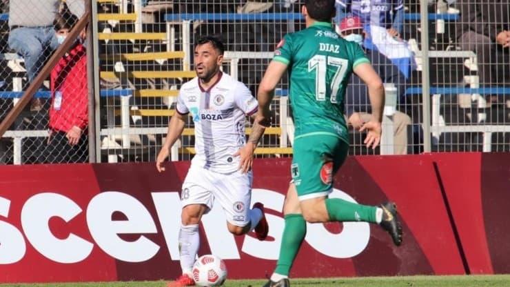 Santa Cruz vence a Deportes Temuco y vuelve al primer lugar a la espera de lo que haga Coquimbo Unido.