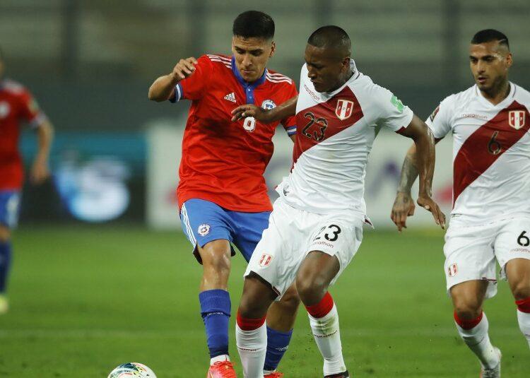 Cada vez más lejos de Qatar: Ahora Chile cayó ante Perú