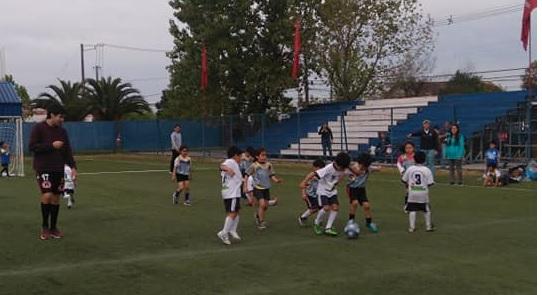 Niños y jóvenes de Talca se sumarán a las Escuelas de Fútbol Municipales